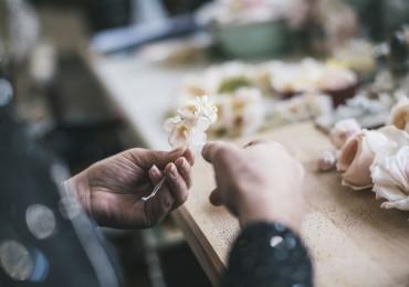 fabrication d'une fleur de soie - Séverina Lartigue - Fondation EY