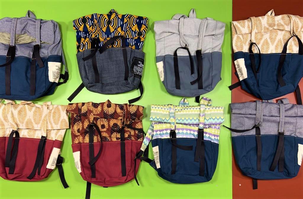 Collection de sacs à dos dessinée en collaboration avec les étudiants en design textile du Lycée de la Martinière Diderot et réalisée par les apprentis artisans de Tissu SolidaireCollection de sacs à dos dessinée en collaboration avec les étudiants en design textile du Lycée de la Martinière Diderot et réalisée par les apprentis artisans de Tissu Solidaire